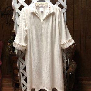 63bdd5658769 Lovely Collette Robe size L